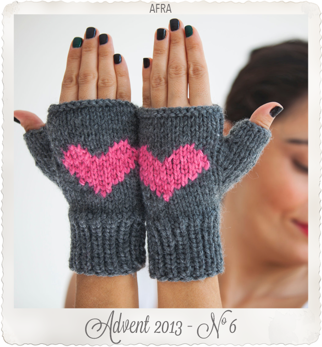 Mittens with hearts from Afra etsy store